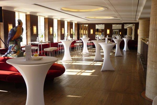 Exclusives Café-Bistro, traditionsreich